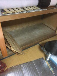 敷きっぱなしのマットレス,万年床,押し入れの布団
